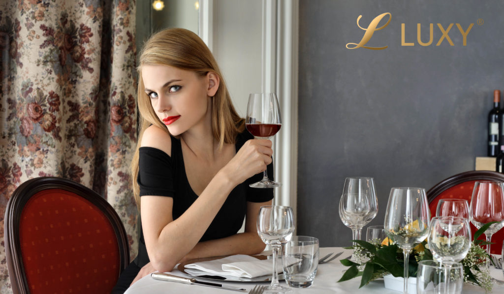 Golddigger expecting only the most expensive wine